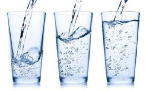 فواید و مضرات آب قلیایی